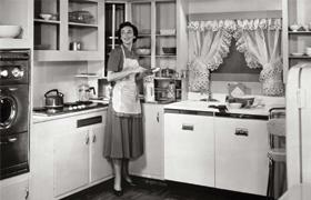 Premières études sur l'équilibre hommes-femmes du temps de présence au foyer