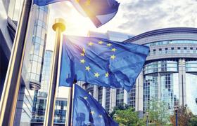 Pour la Commission européenne, l'Ifop lance, coordonne et analyse les premières études Eurobaromètres réalisées dans 9 pays